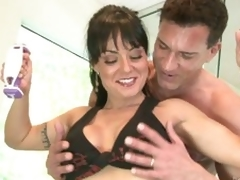 Exotic milf Mahina Zaltana receives sexually excited at the gym