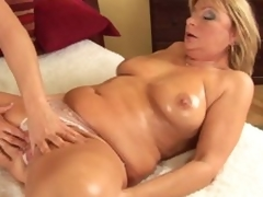 Mature Rosalyn spreads for neighbour chap