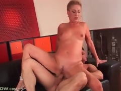 Short hair blonde mature screwed in constricted wet crack