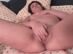 Cute brunette mature masturbates her cunt lustily