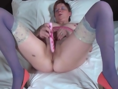 Big ass older in blue stockings fucksa toy