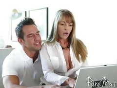 Shayla Laveaux bangs the computer dude