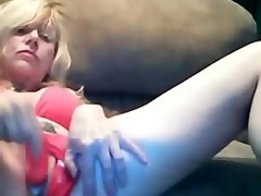 Glamorous Blond Mom Dildoing Creamy Pussy