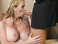 Breasty milf Taylor Wane with priceless deepthroat skills