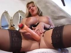 British milf in a enjoyment tease of her hot body